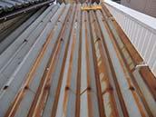 ⑧トタン屋根の錆、塗膜剥離、チョーキングの有無